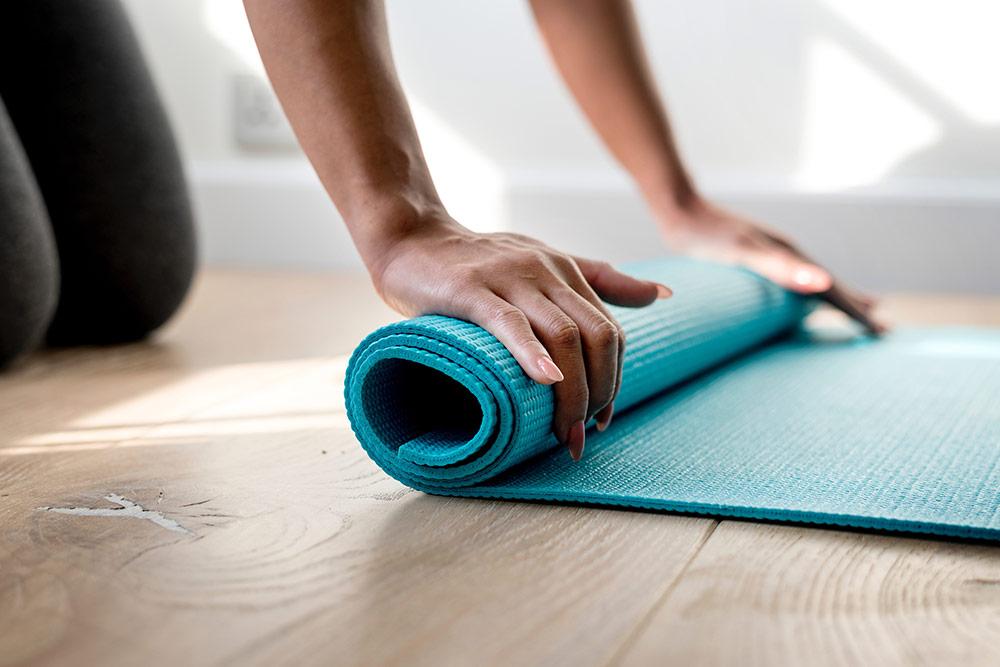 Tómate un momento y únete a una de nuestras clases de yoga para relajarte y recuperar tu equilibrio natural.