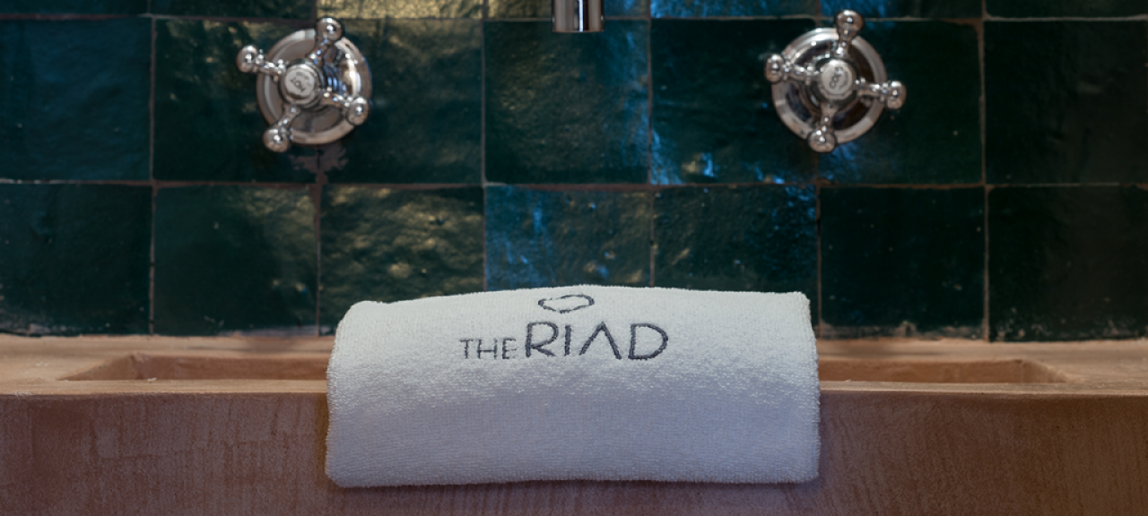 servicio-toalla-the-riad-tarifa
